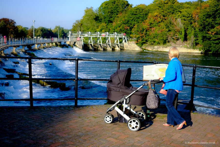 Baby activities maidenhead. Walking around Ray Mill Island